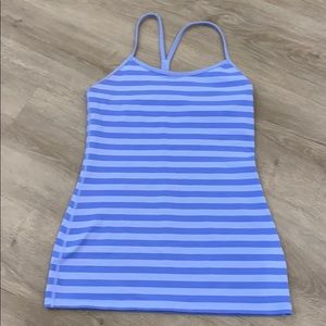 Lululemon tank top with shelf bra